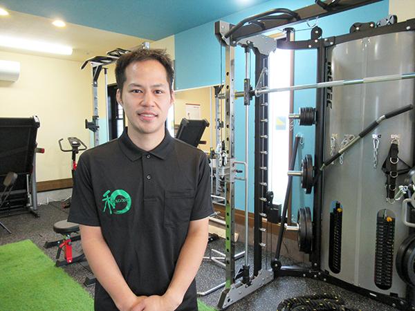 「健康寿命日本一の町」に貢献する整骨院&スムージー店